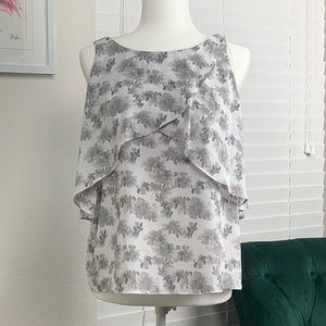 Like New Sleeveless Floral Top By Attention